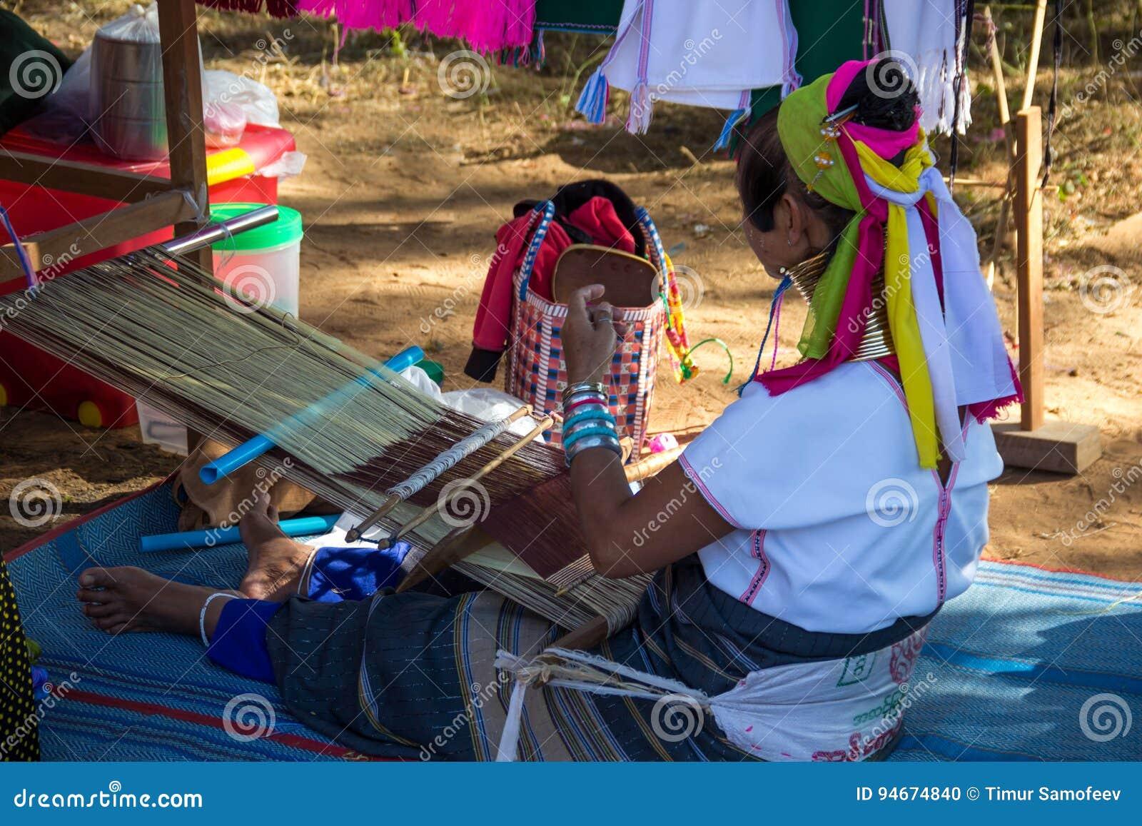 Anillos del longneck de Tailandia de la artesanía del trabajo de las mujeres