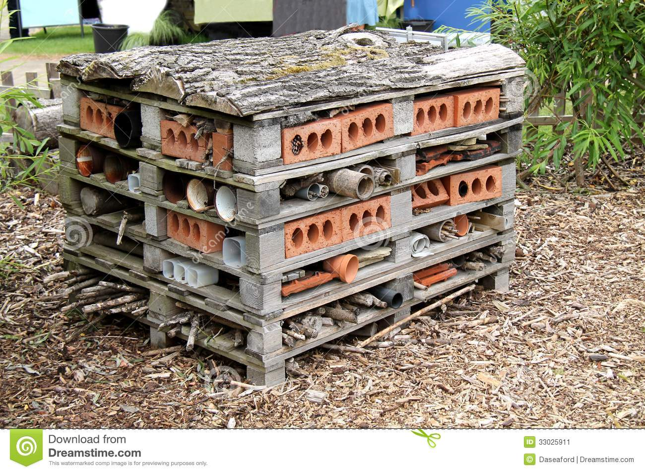 Animal House Shelter. Stock Image - Image: 33025911