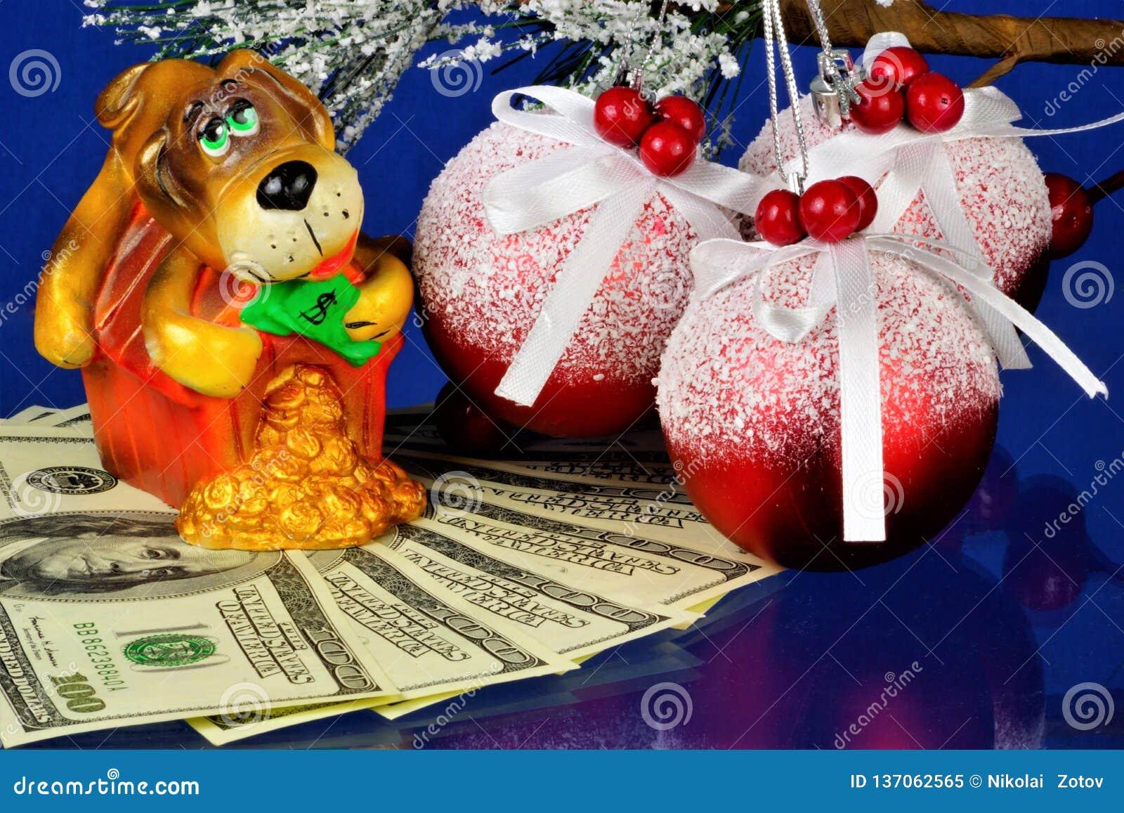 Animale fedele e vigilante dei soldi delle guardie del cane, il simbolo dell anno Il cane è un animale domestico antico, comprend