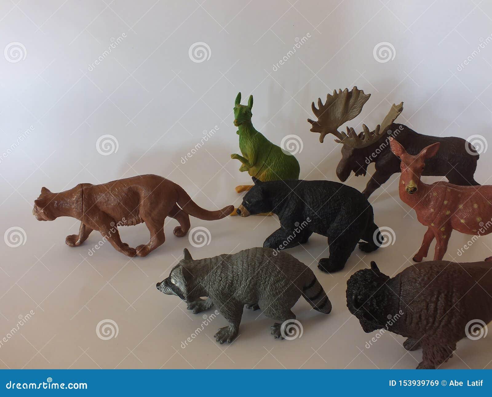 Animales del juguete de los niños en casa
