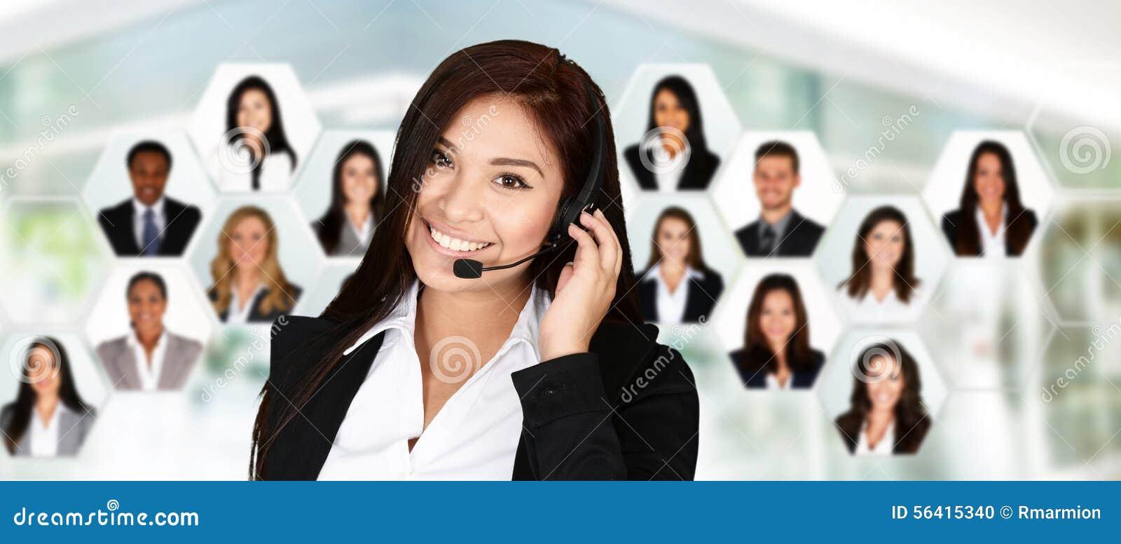 Anioł jako piękną bizneswoman chmur klienta przyjacielską pomoc miłości pomocne usług uśmiecha się bardzo