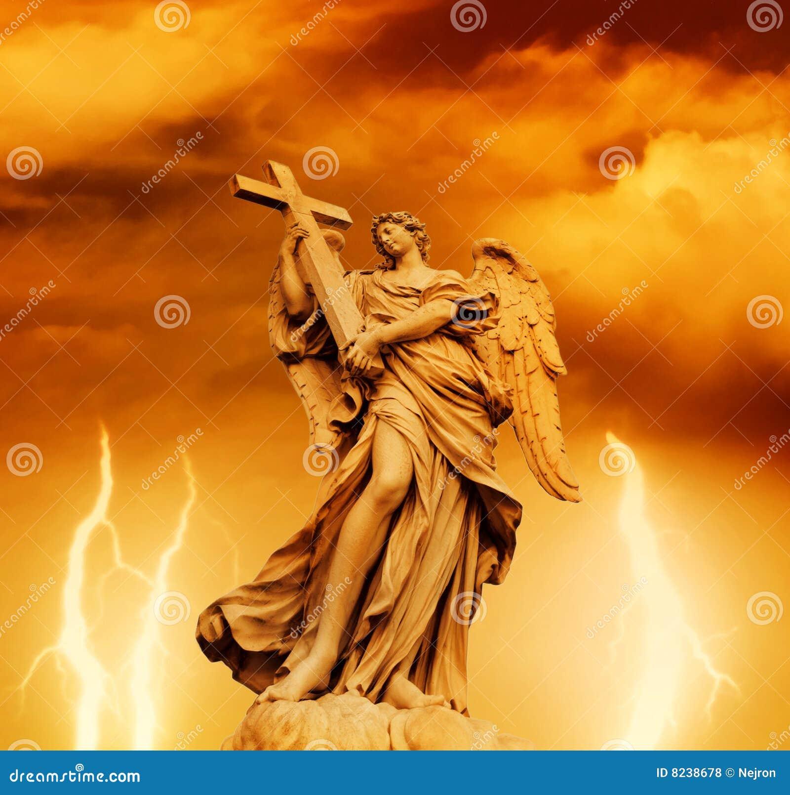 Anioł statua