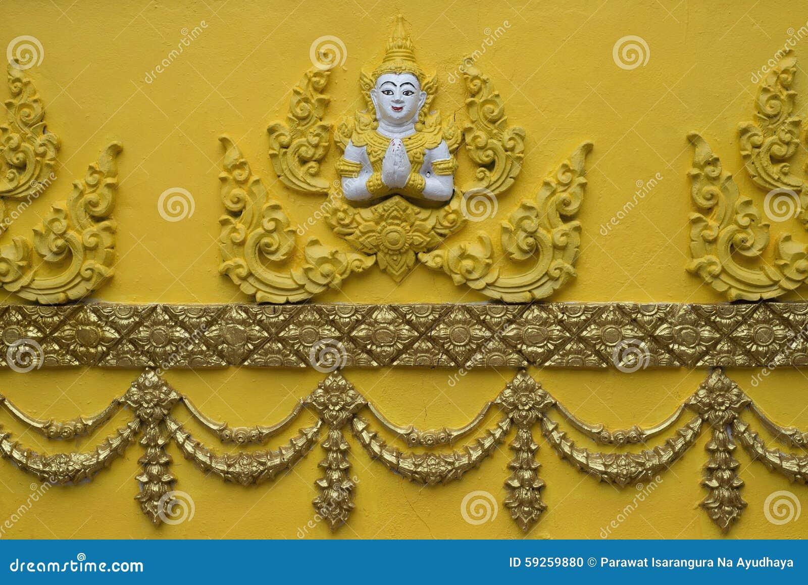 Anjo na parede do templo