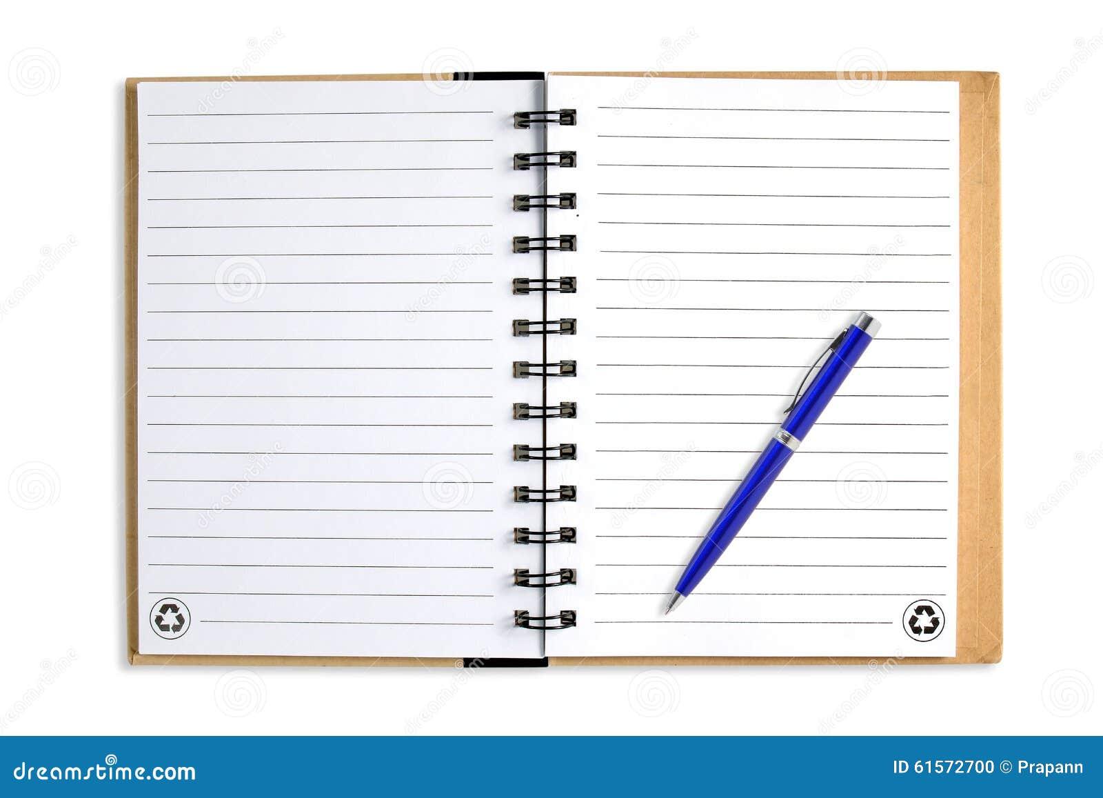 Anmärkningsbok med blåttpennan som isoleras