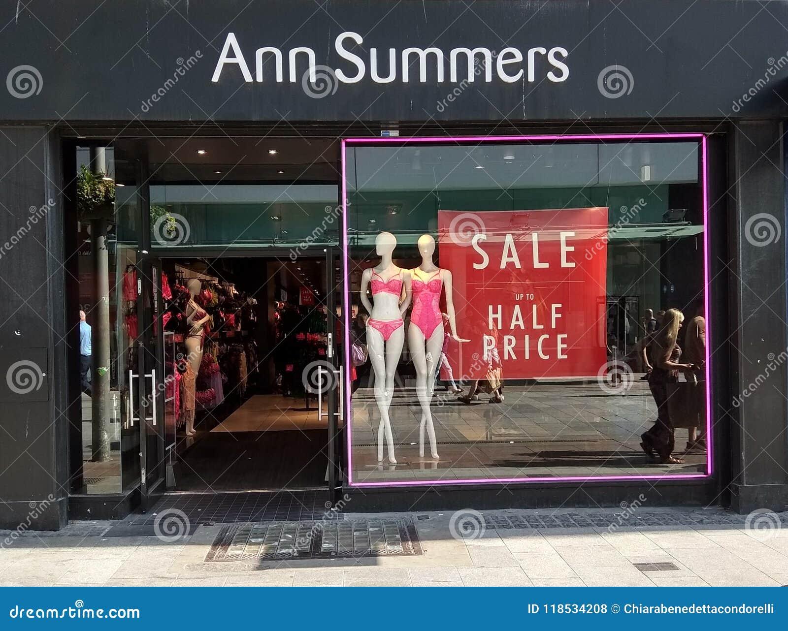 surf reacción Borradura  Ann Summers Dublin Henry Street Editorial Stock Photo - Image of adult,  erotism: 118534208