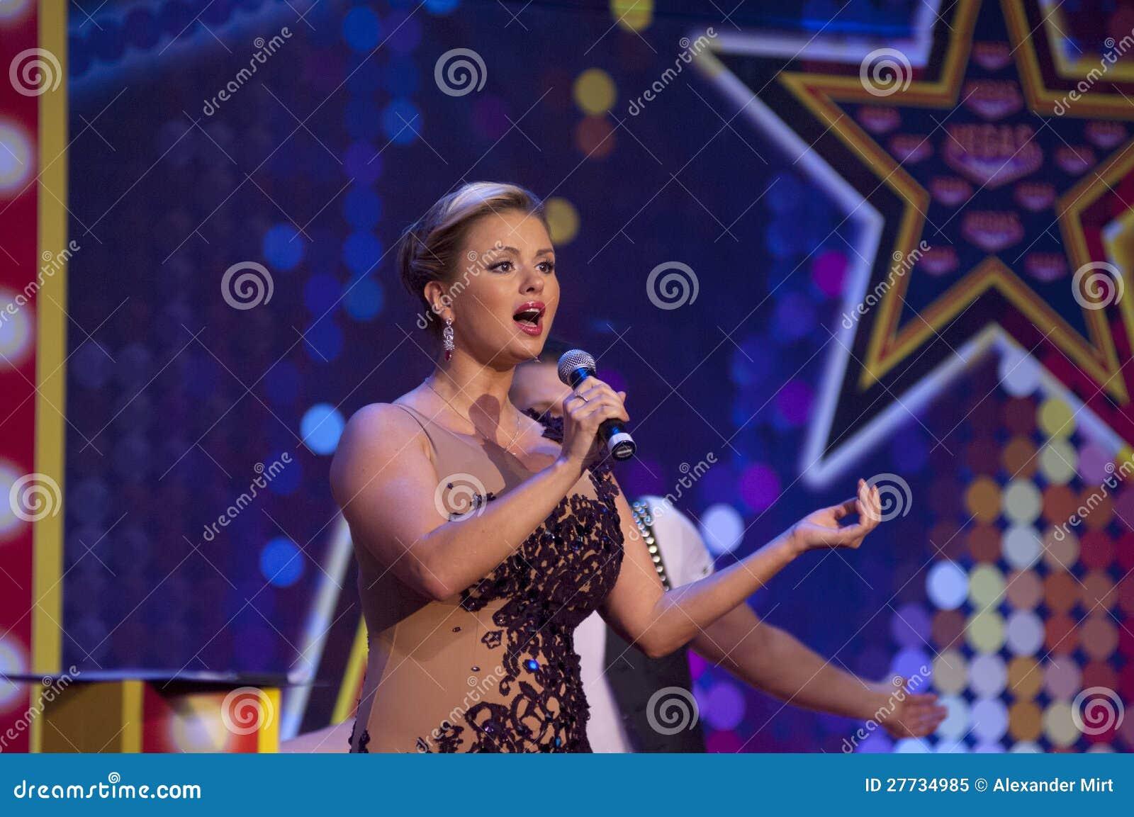 Anna Semenovich in Megamall Vegas