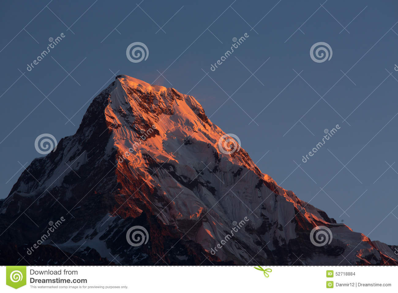 Annapurna I Himalaya Mountains View from Poon Hill 3210m at sunr