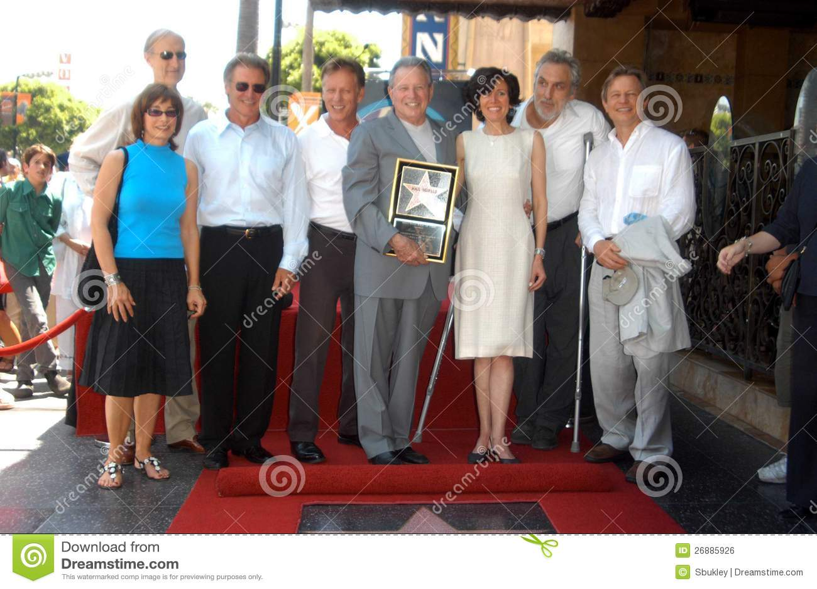 Anne Archer, James Cromwell, Harrison Ford, madeiras de James, Mace Neufeld, Michael York