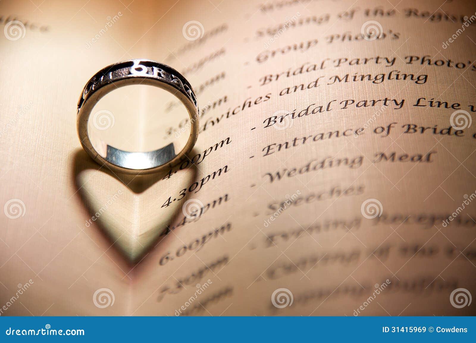 Anneau De Mariage Celtique Images libres de droits - Image: 31415969