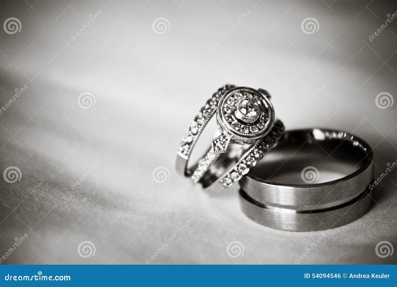 Anneaux De Mariage Noir Et Blanc Photo Stock Image Du
