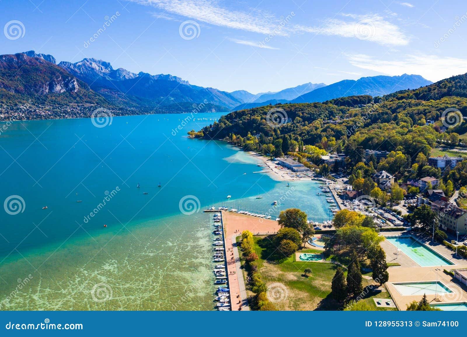Annecy湖江边-法国鸟瞰图