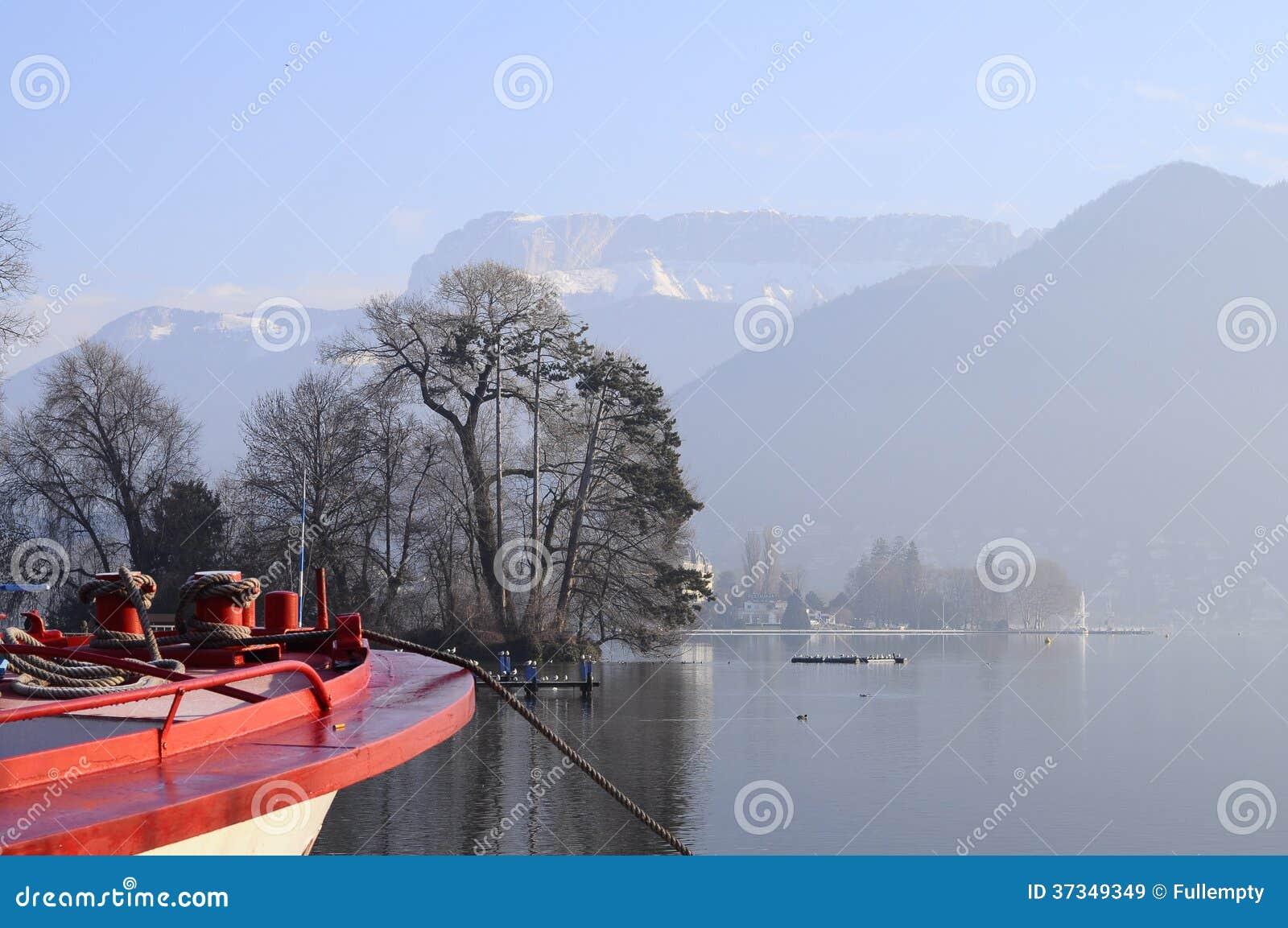 Annecy sjö och stad