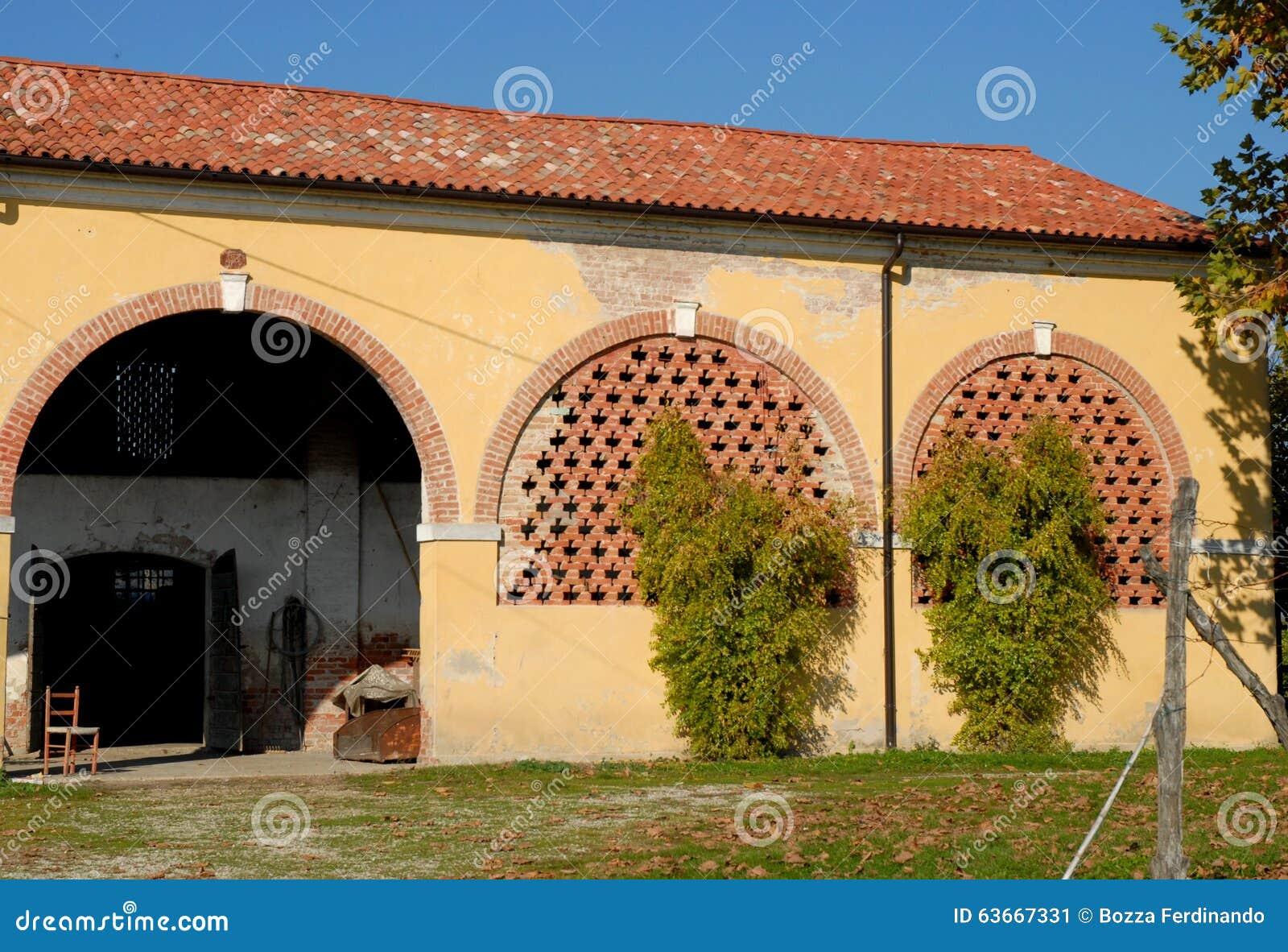 Annesso rustico di una casa di campagna nella provincia di for Piccole capanne di campagna