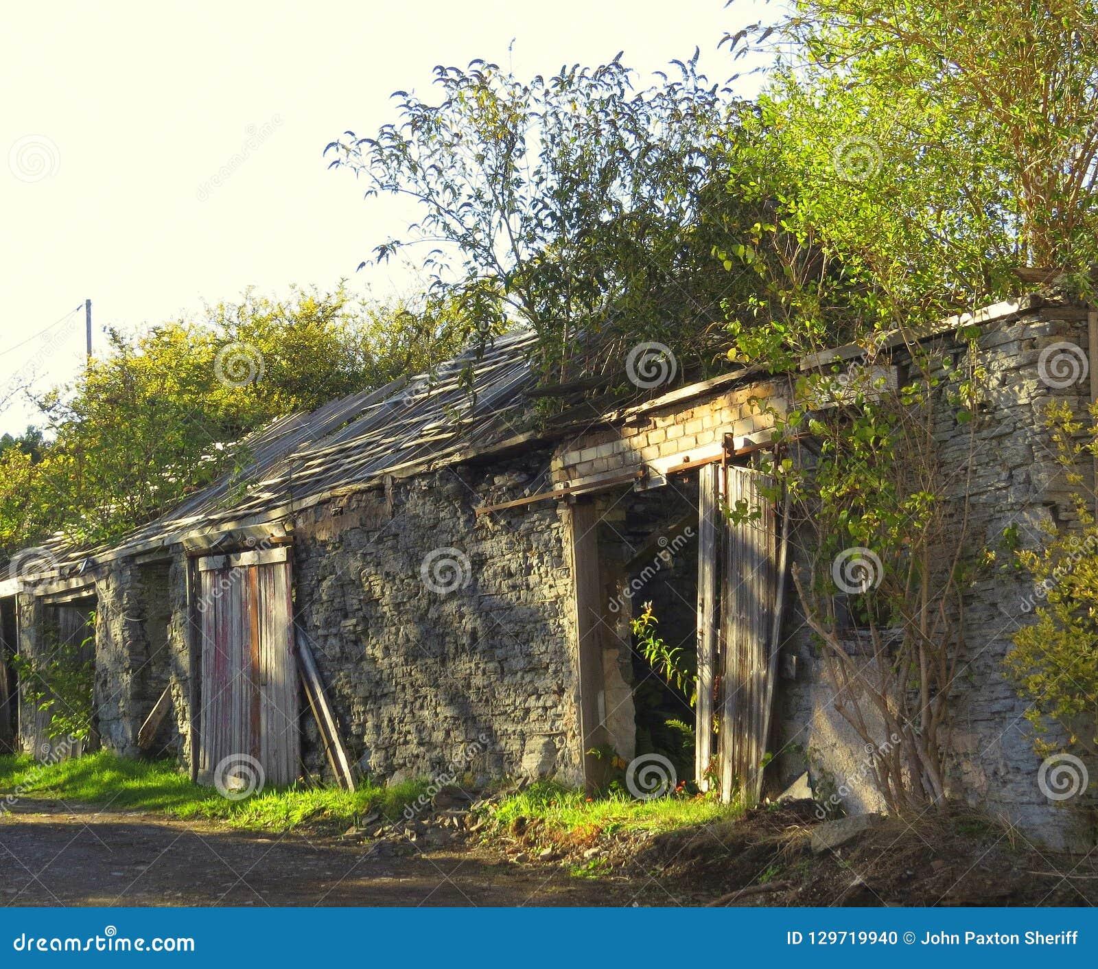 Annexes, abandonné, négligées, ruines