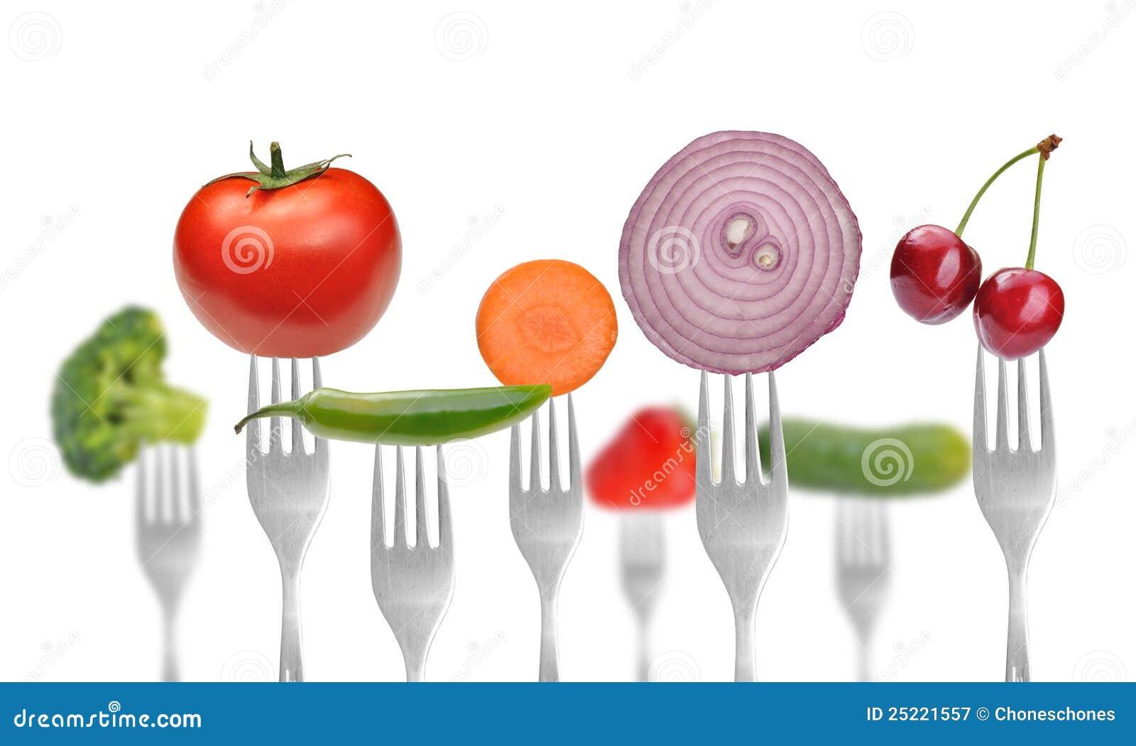 Ansammlung Gabeln mit Gemüse und Früchten