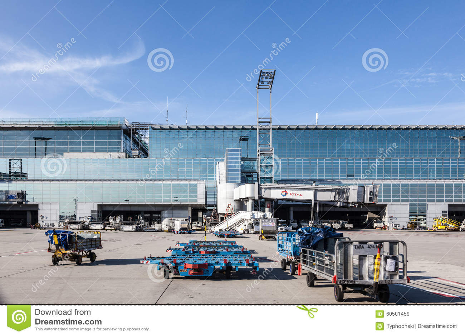 Anschluss 2 Des Frankfurt Flughafens Redaktionelles Stockbild Bild