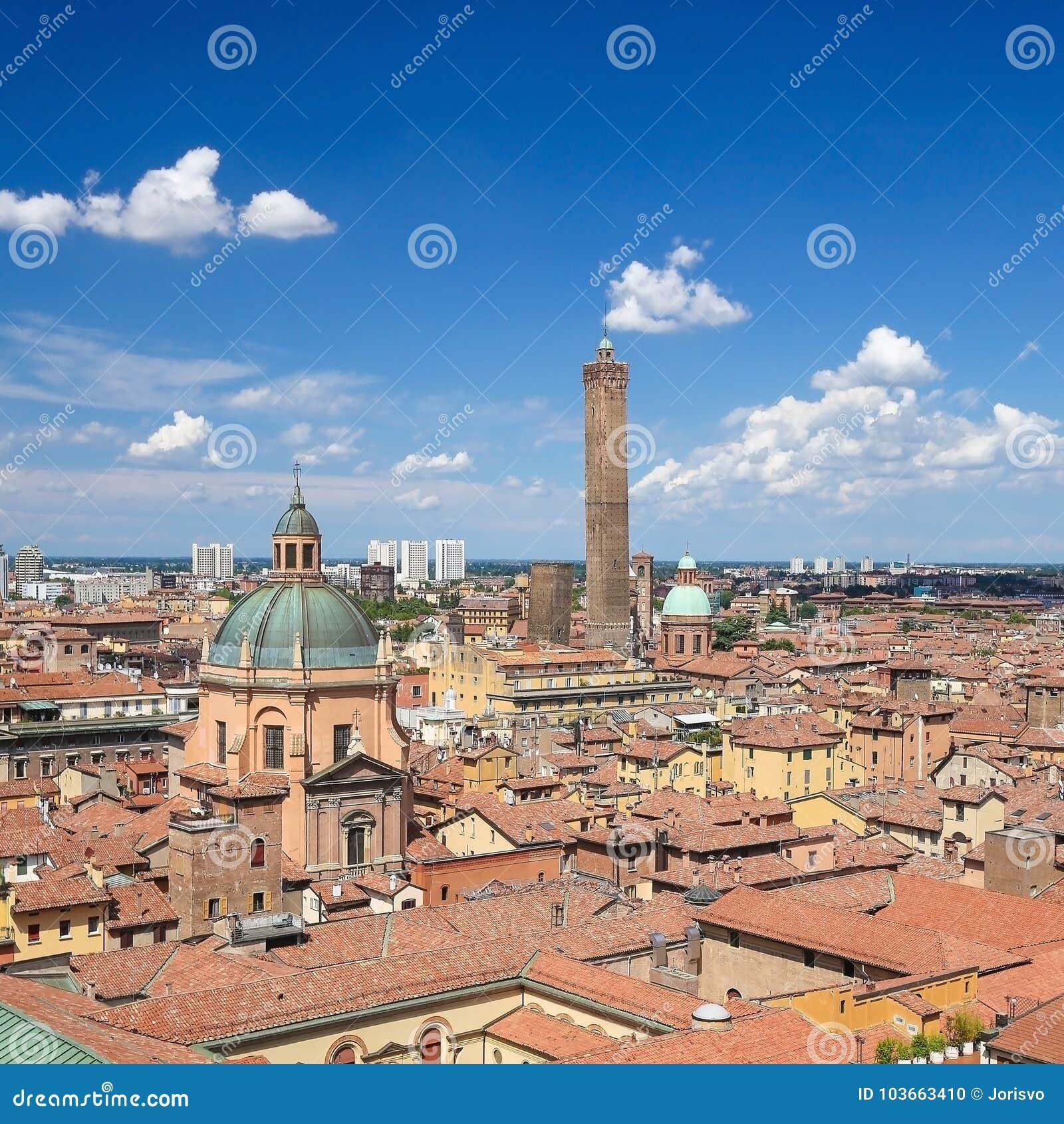 Ansicht über die historische Mitte von Bologna, Italien