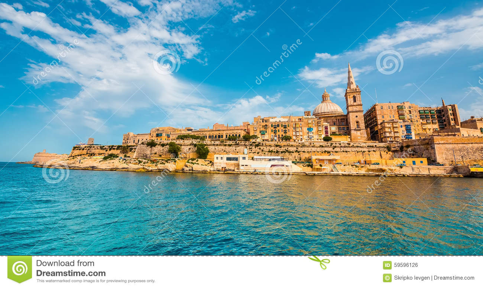 Ansicht über Valletta vom Meer