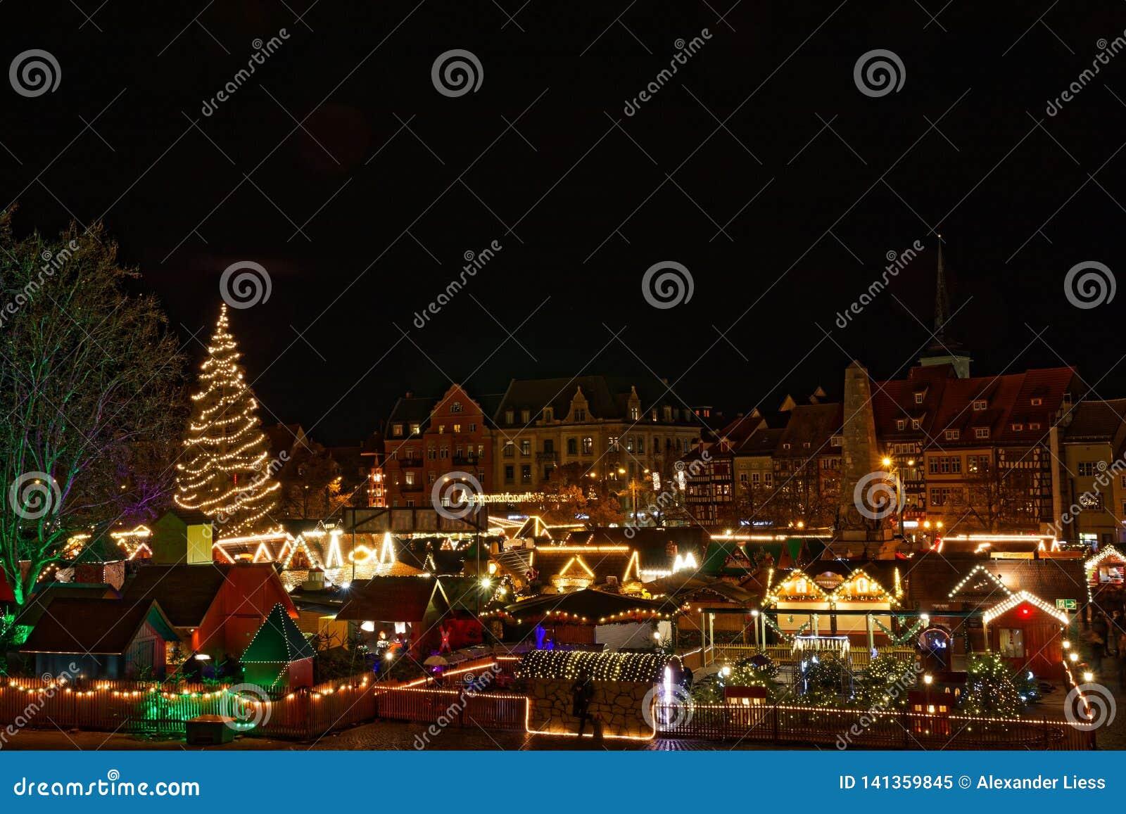 Ansicht über Weihnachtsmarkt in Erfurt