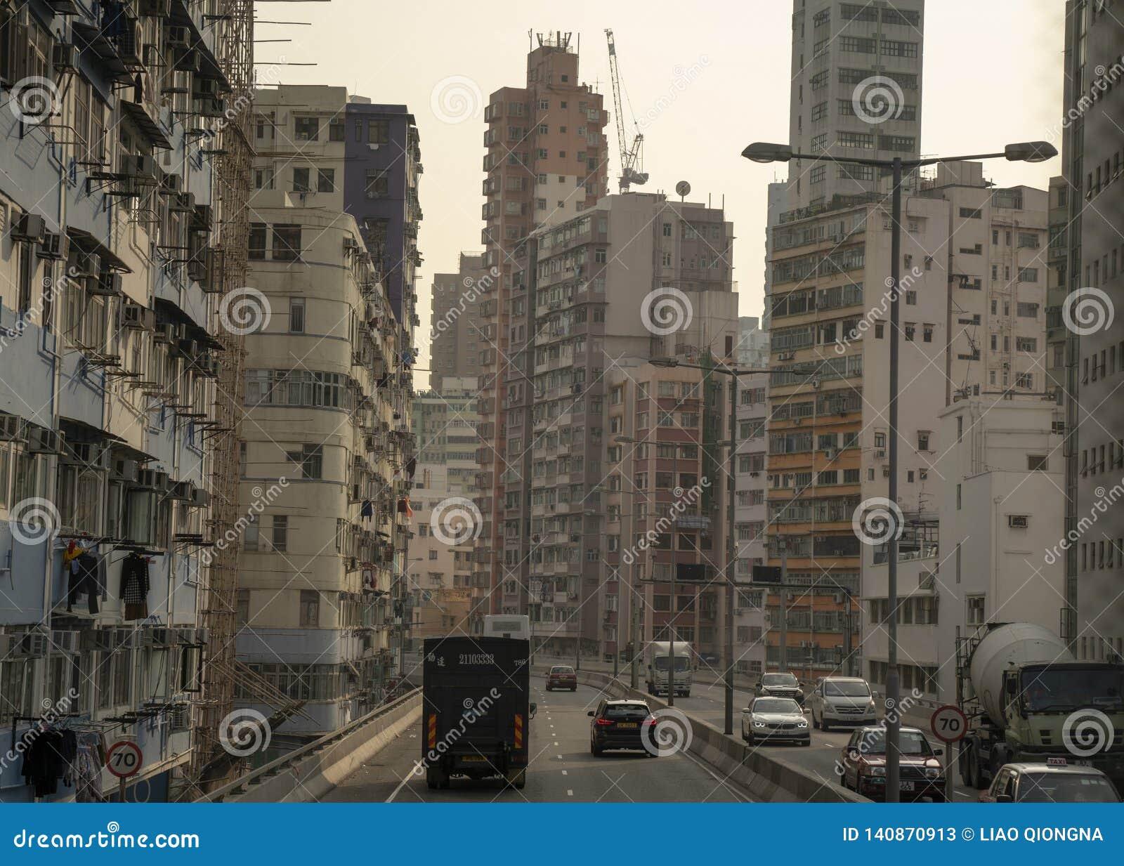 Ansicht der Gebäude auf der Autobahn