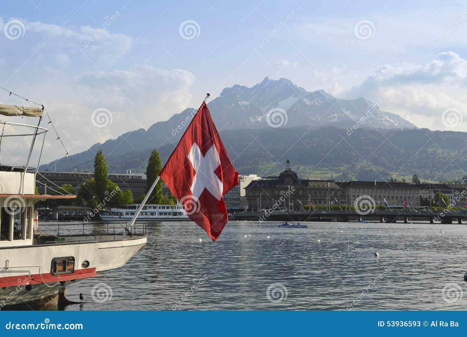 ansicht der luzerne vom luzerner see und von die schweiz flagge stockfoto bild 53936593. Black Bedroom Furniture Sets. Home Design Ideas