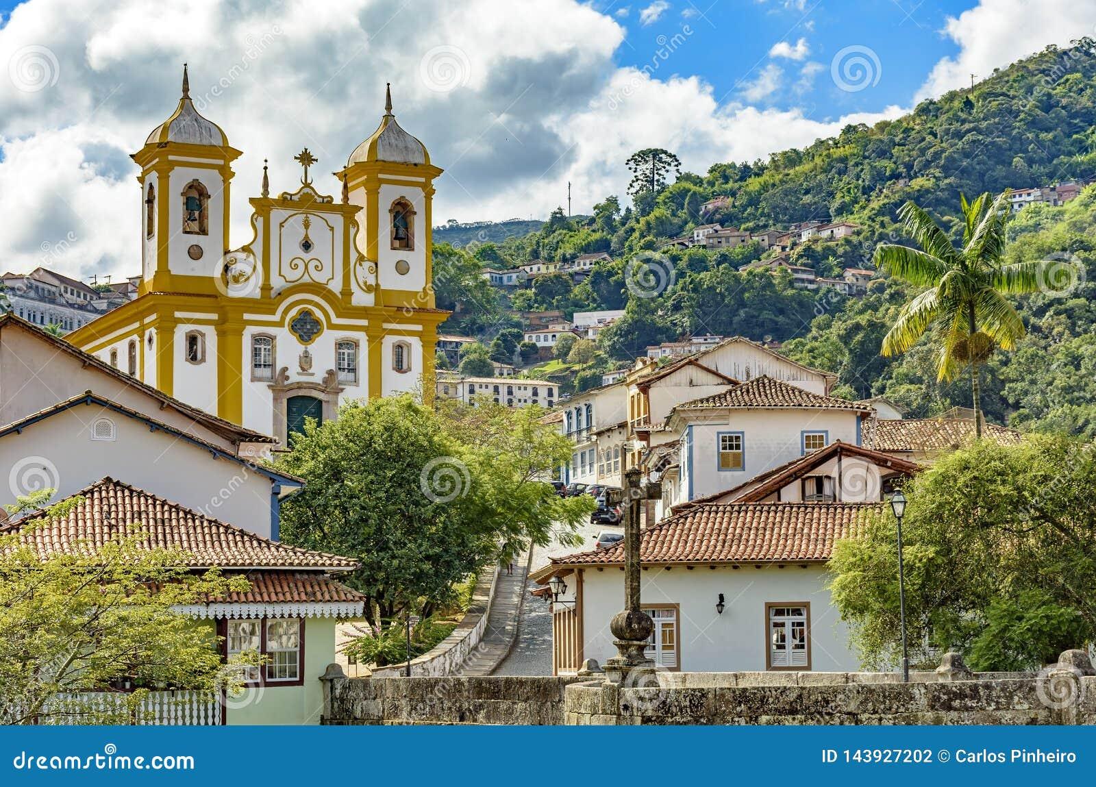 Ansicht der Mitte der historischen Stadt Ouro Preto in Minas Gerais
