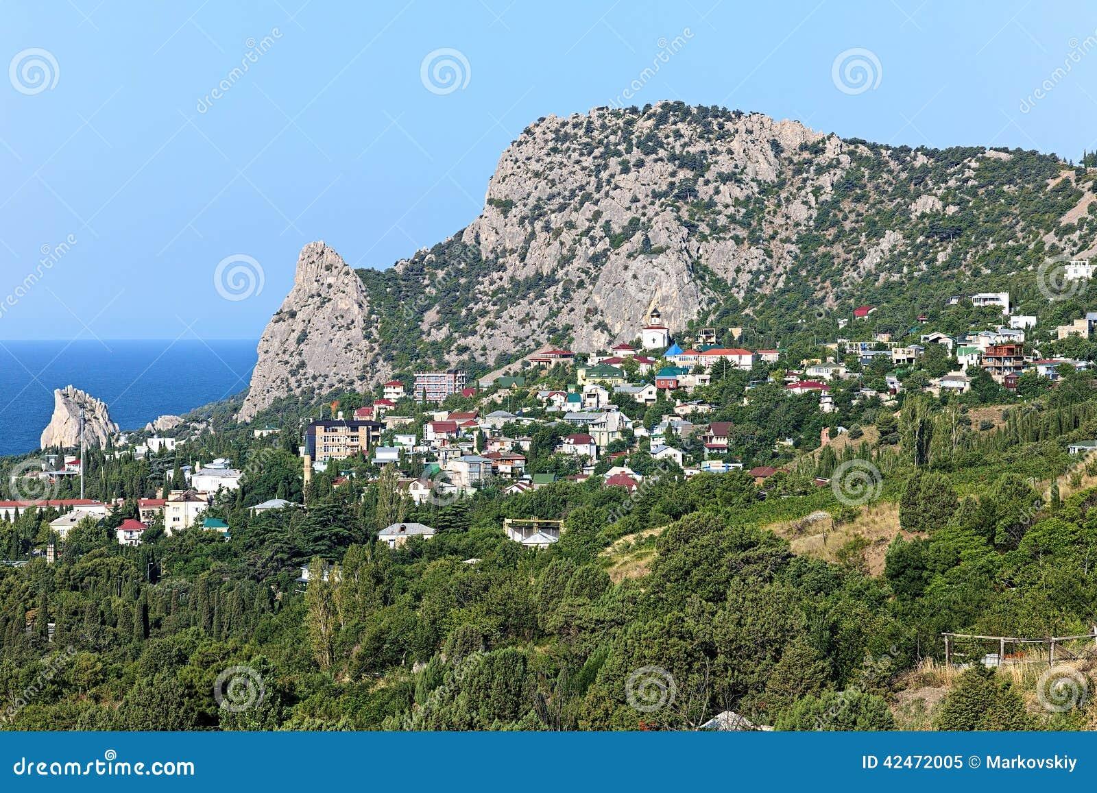 Ansicht der Regelung des Bergs Koshka und Simeiz in Krim