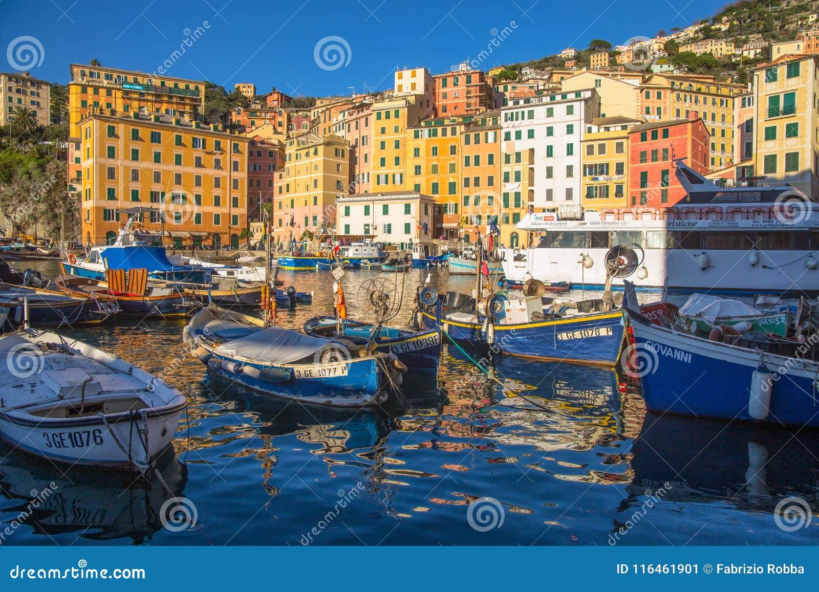 Ansicht der Stadt von Camogli, Genoa Province, Ligurien, Mittelmeerküste, Italien