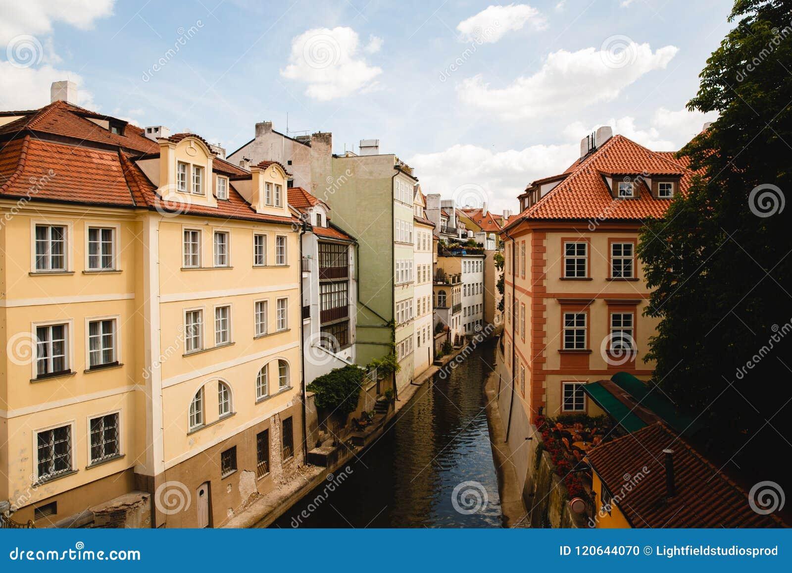 Ansicht des Kanals in der alten Stadt in Prag, Tschechische Republik