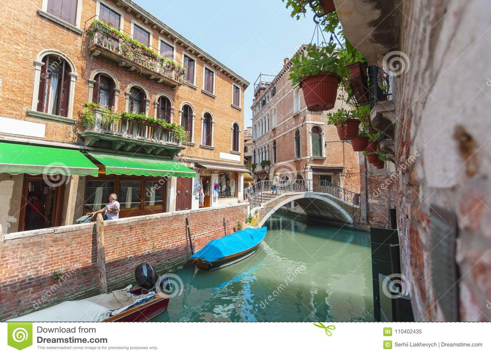 Ansicht des Kanals in Venedig, Italien Venedig ist ein populärer touristischer Bestimmungsort von Europa