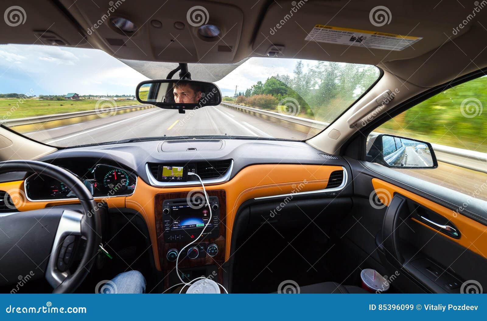 Ansicht vom luxusauto nach innen stockbild bild von frisch
