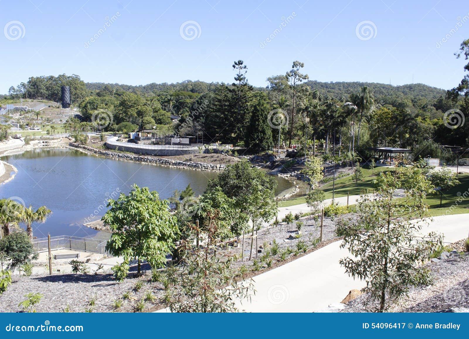 Ansicht von den neuen Gärten errichtet auf Vermächtnis-Weisenbau-Bürostandort