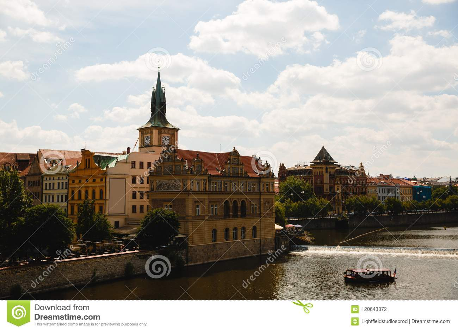 Ansicht von die Moldau-Fluss in Prag, Tschechische Republik