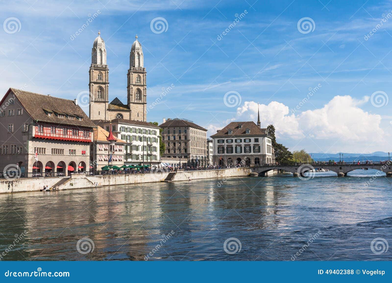 Download Ansicht Von Grossmunster-Kirche In Alter Stadt Zürichs Stockfoto - Bild von straße, kathedrale: 49402388