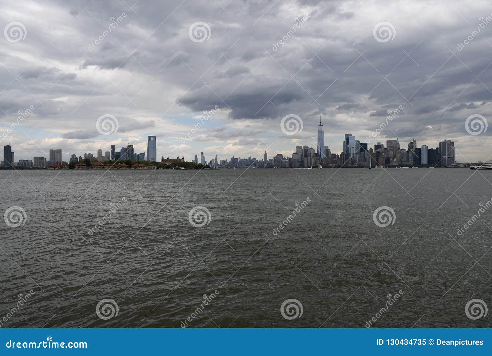 ANSICHT VON T2O-ZUSTÄNDE _NEU - Jersey UND NEW YORK