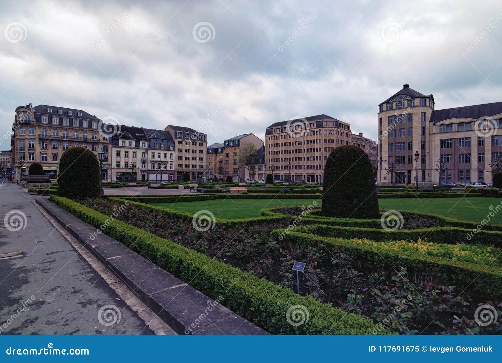 Ansicht zu den Platz-DES-Märtyrern Es ist ein Gartenquadrat in Luxemburg-Stadt