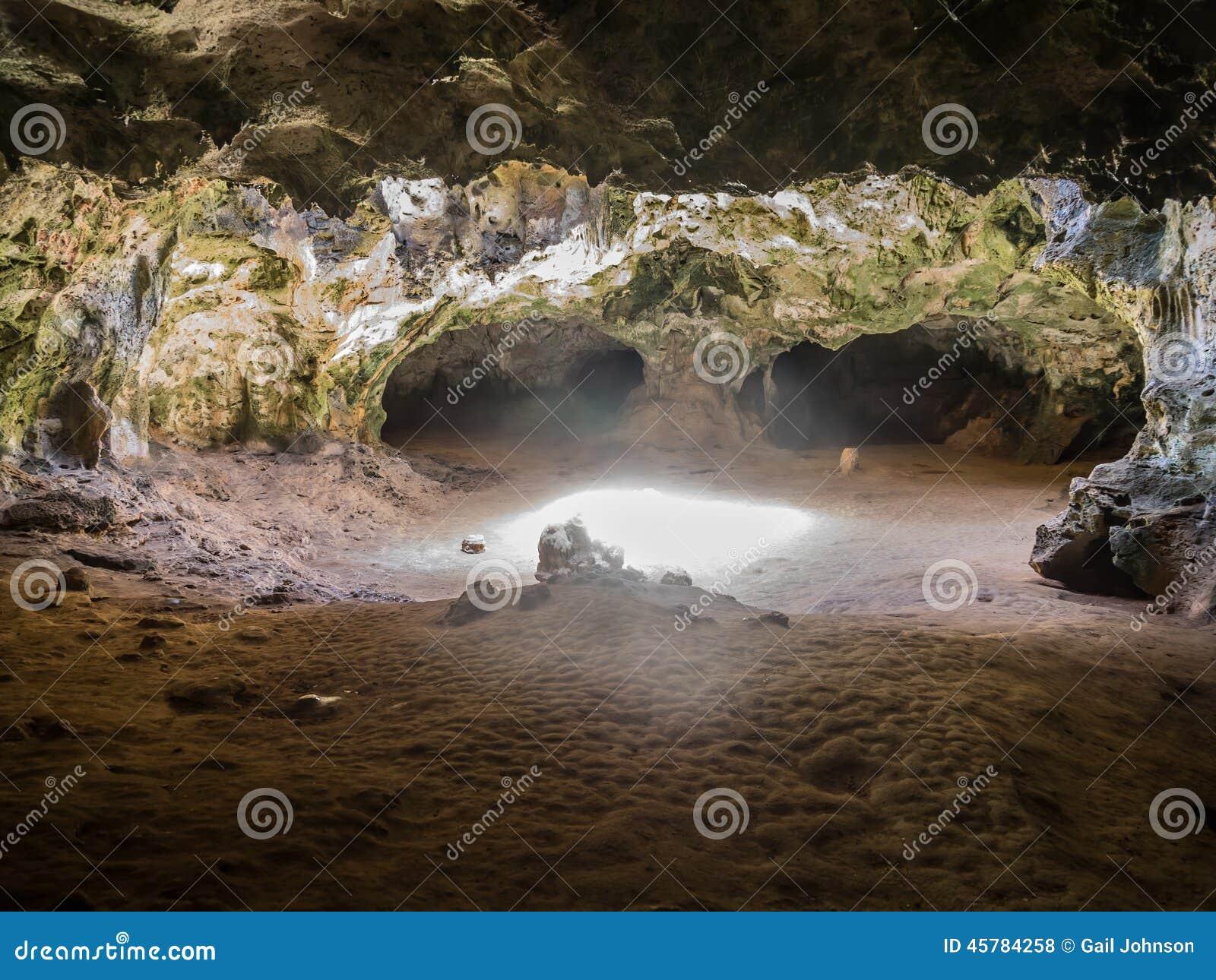 Ansichten um Guadirikiri-Höhlen