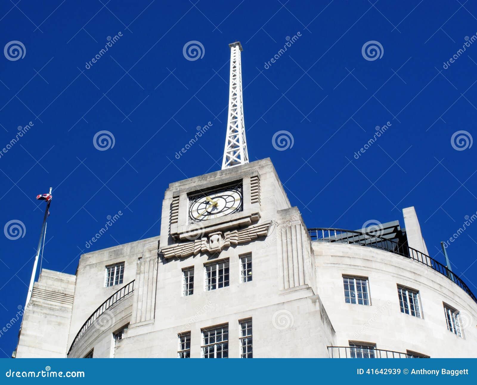 Antena de la casa de la difusión de la BBC