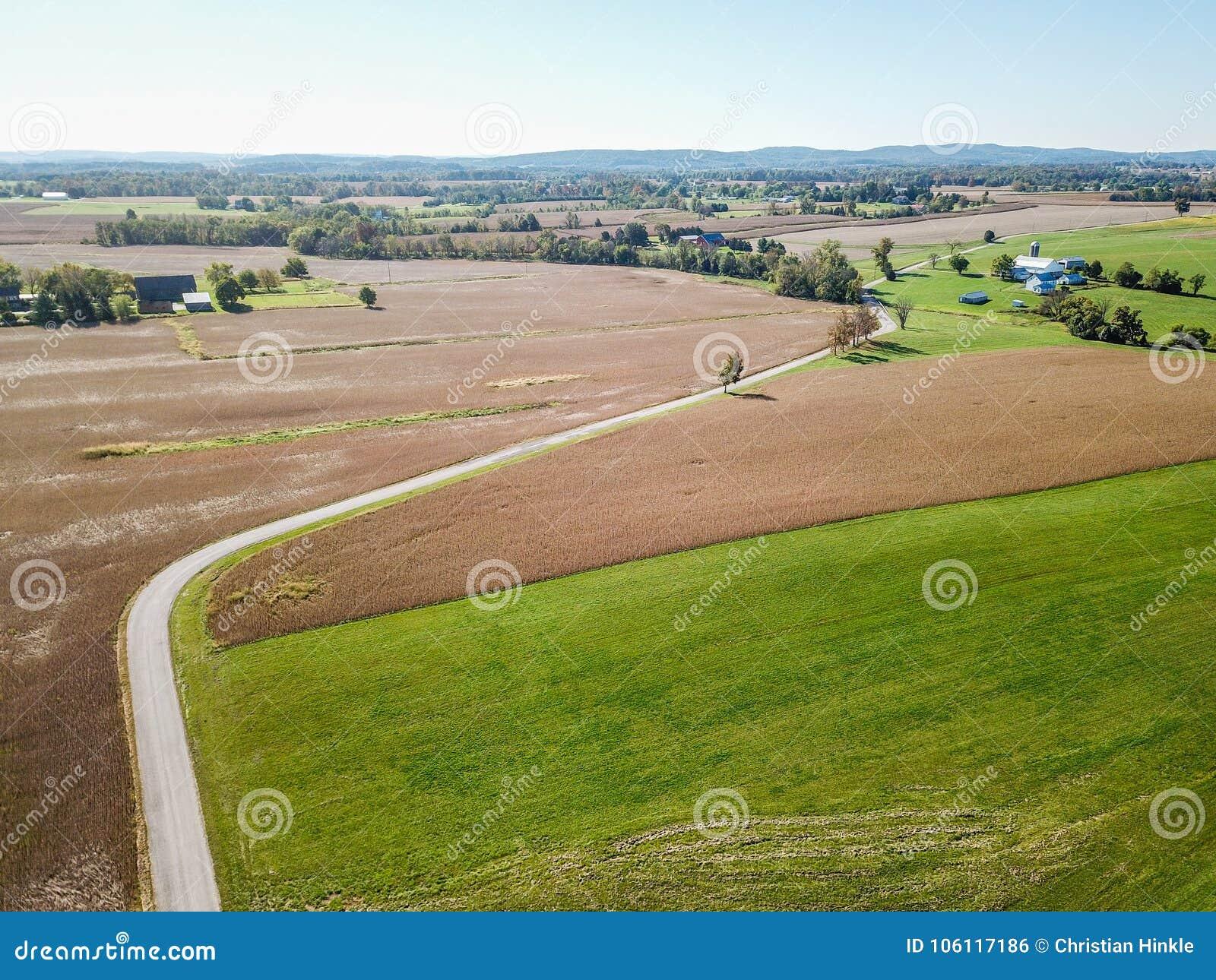 Antenn av jordbruksmark i Dover, Pennsylvania precis söder av Harrisbu