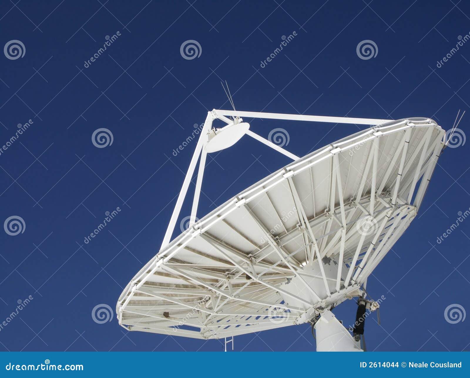 antenne parabolique images stock image 2614044. Black Bedroom Furniture Sets. Home Design Ideas