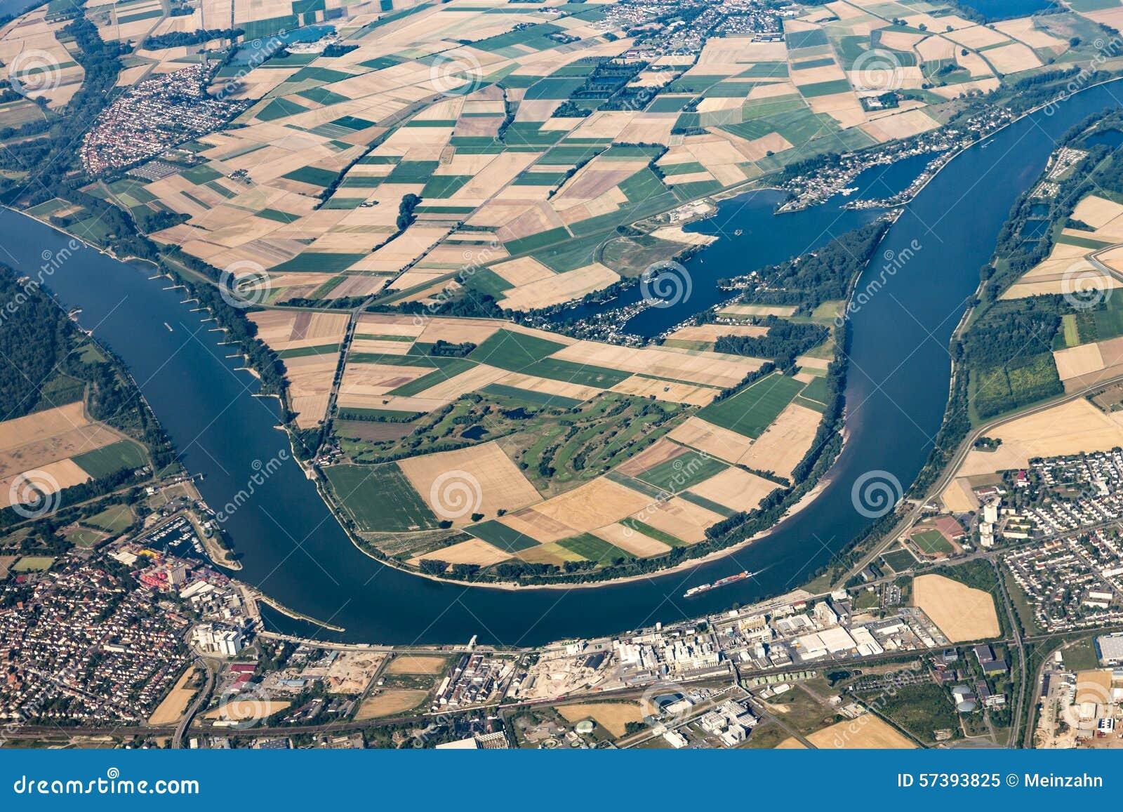 Antenne van Gernsheim bij Rivier Rijn