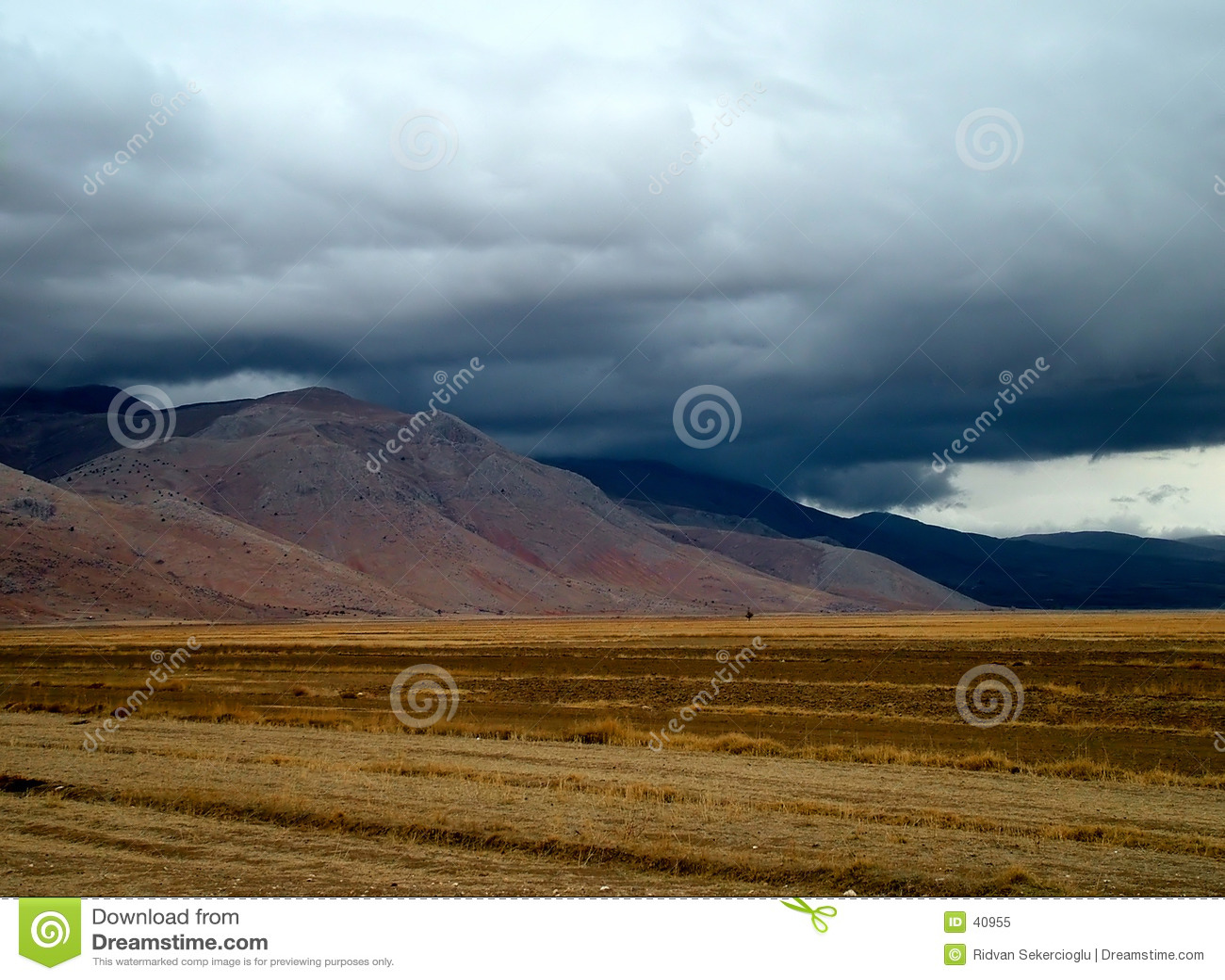 Download Antes de la lluvia imagen de archivo. Imagen de paisaje - 40955