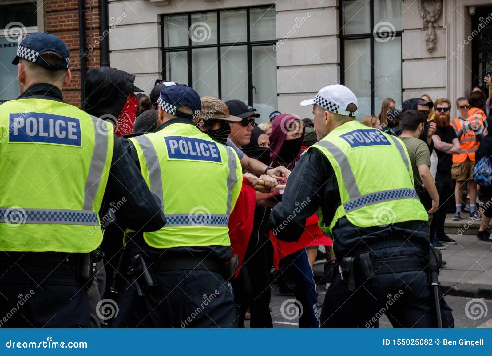 Anti-fascistiska protester i London