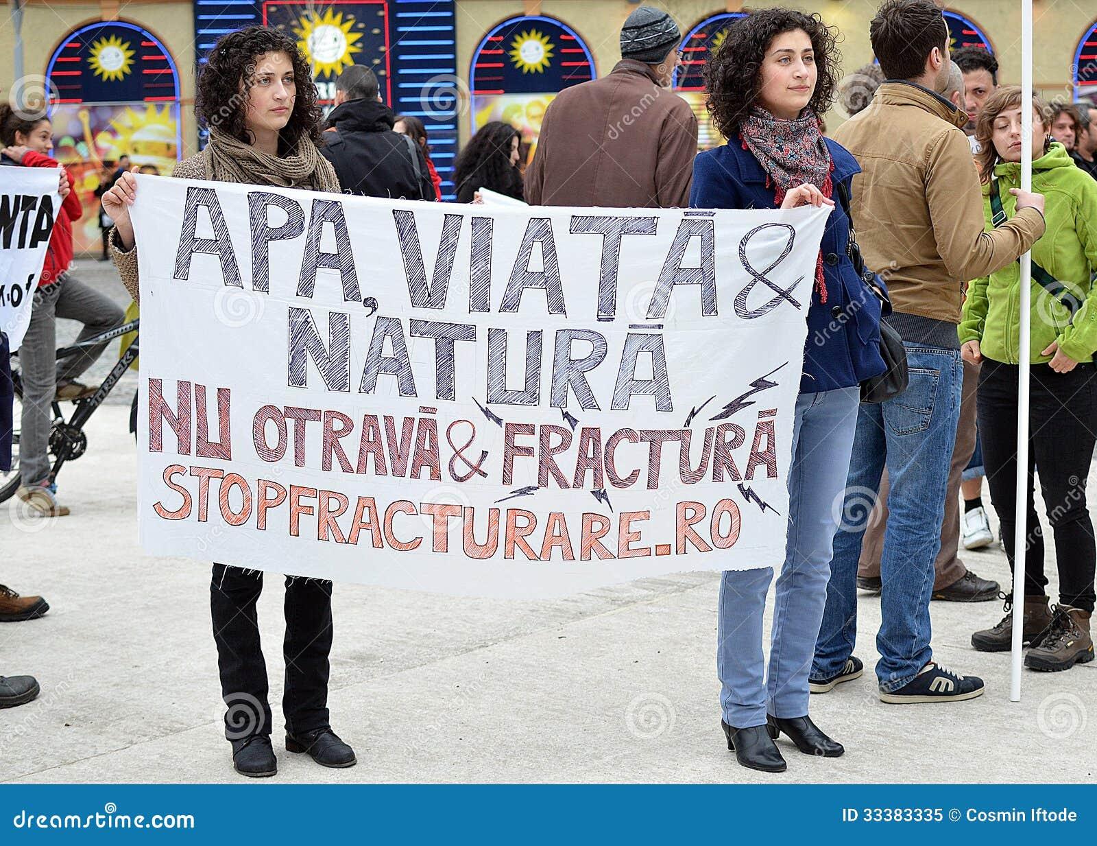 Anti-Fracking-Demonstration und gegen Rosia Mont