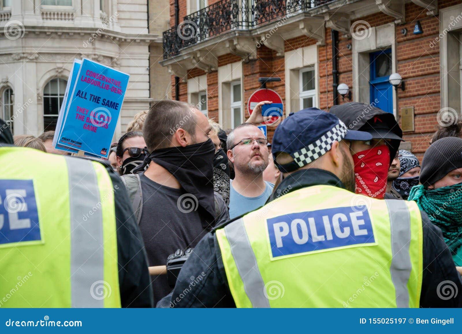 Anti protestations fascistes à Londres