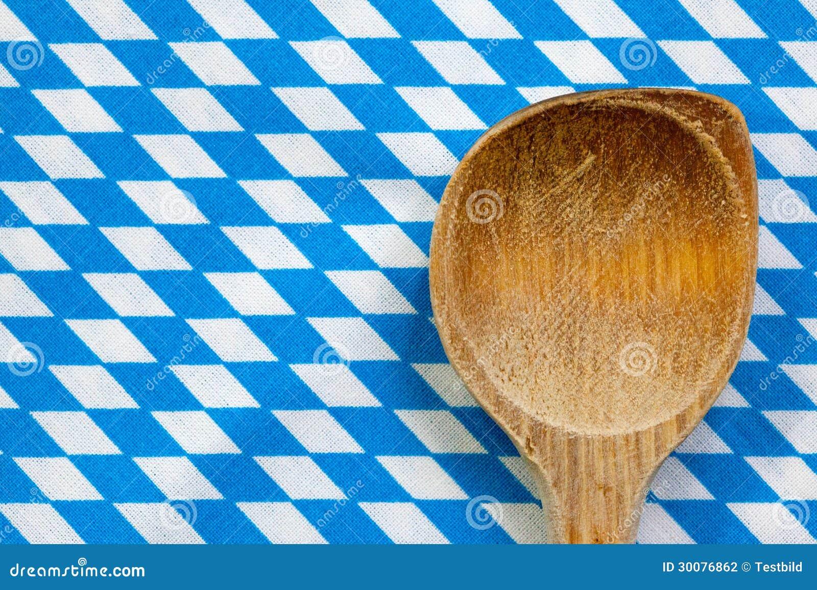 Antieke houten lepel voor het koken met blauwe witte achtergrond stock fotografie beeld 30076862 for Beeldkoken