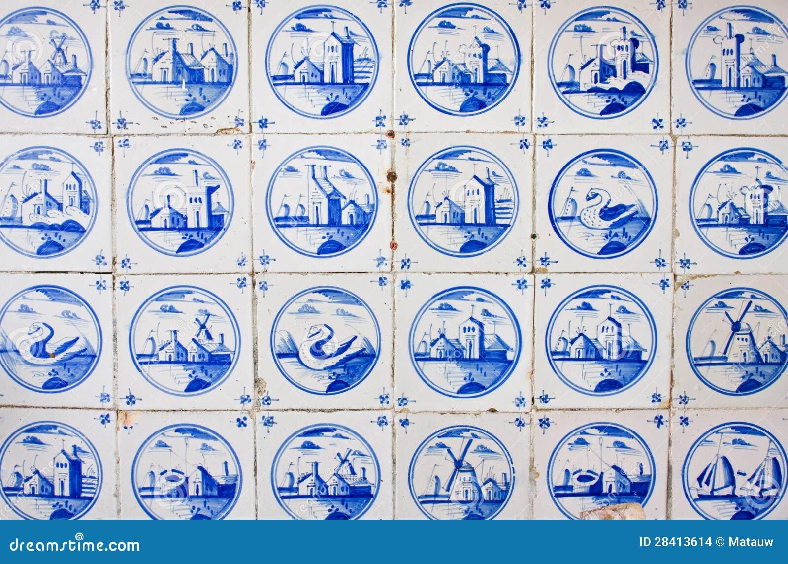 Antieke Nederlandse Tegels Stock Afbeeldingen - Afbeelding: 28413614