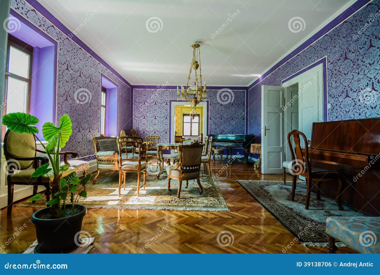 Antieke woonkamer stock foto afbeelding 39138706 - Meubilair van de ingang spiegel ...