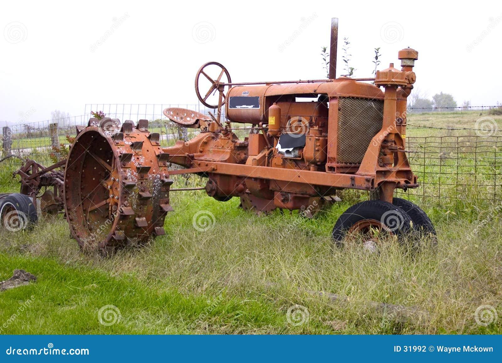 Antik traktor
