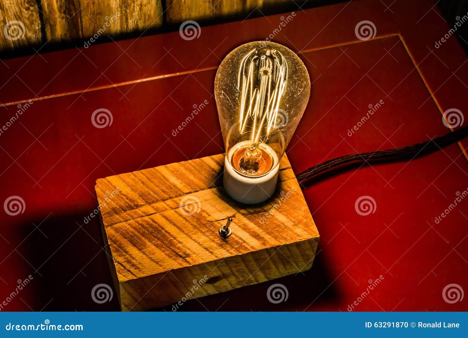 Antika lampor med edison light bulbs arkivfoto   bild: 63291870
